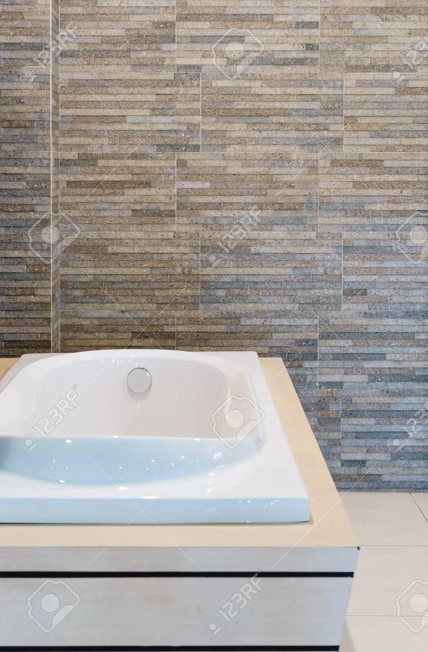Beautiful Luxury Vintage Bathtub Decoration In Bathroom Interior ...