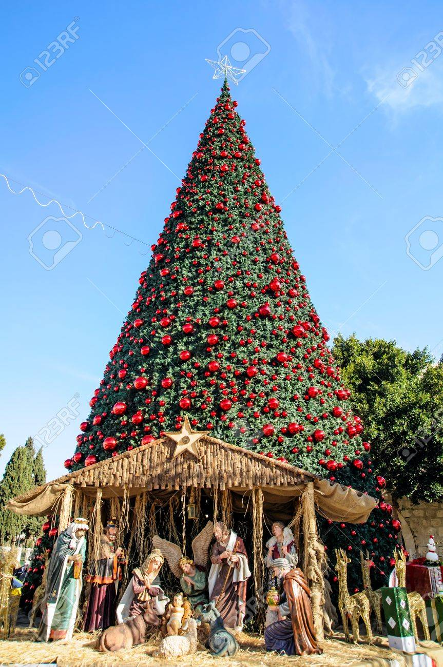 Christmas tree on the square of Bethlehem, Palestine Stock Photo - 17004439