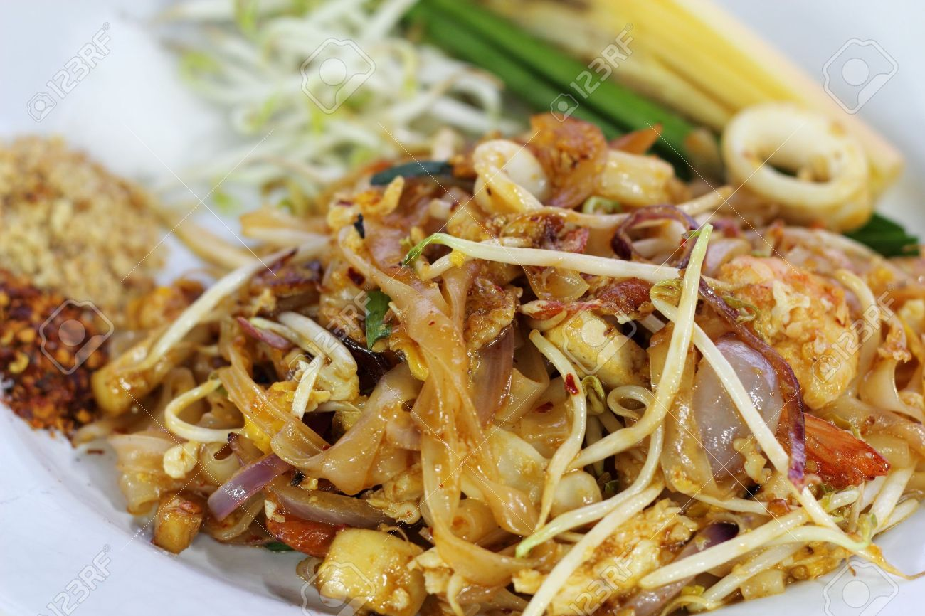 Stir Fried Noodles With Bean Sprouts Stir-fried Noodles With