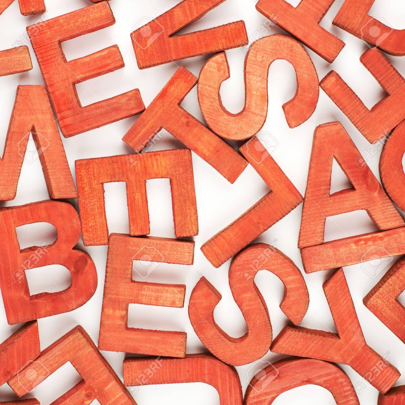 Surface Revetue Des Multiples Lettres En Bois Peintes En Tant Que