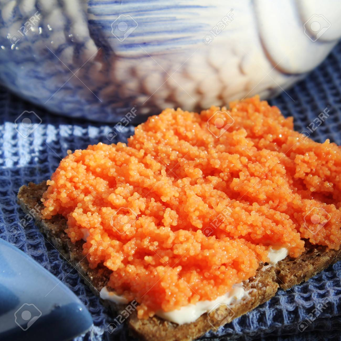 rye bread with fish eggs