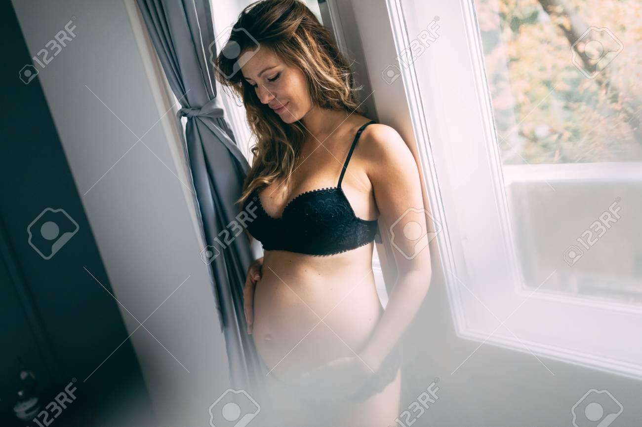 sexy-pregnet-babes