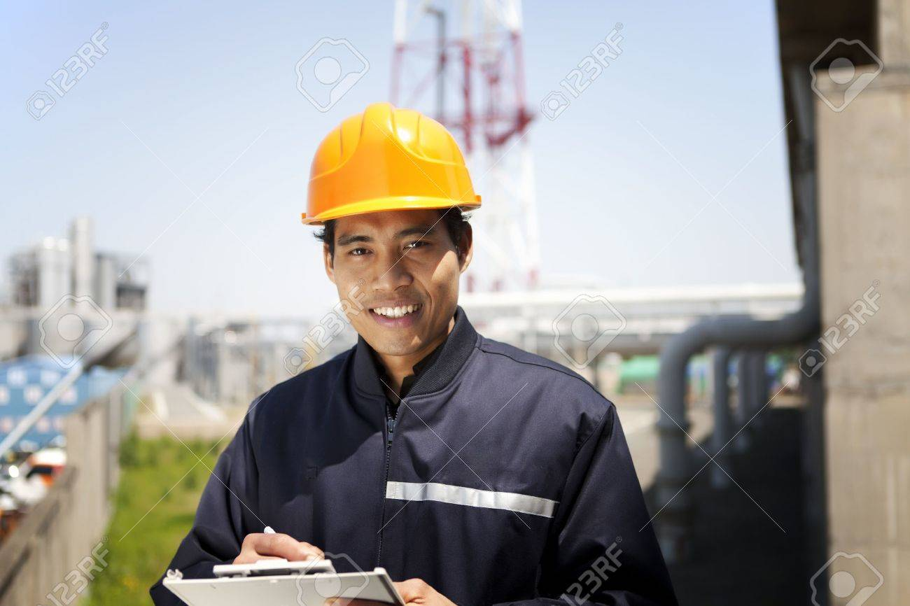 Portrait of asian engineer smiling - 19838599