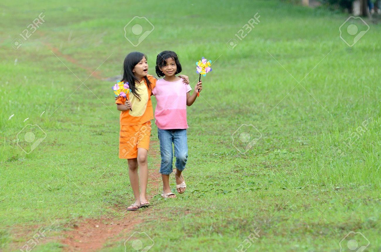 Beste Freunde teilen Mädchen
