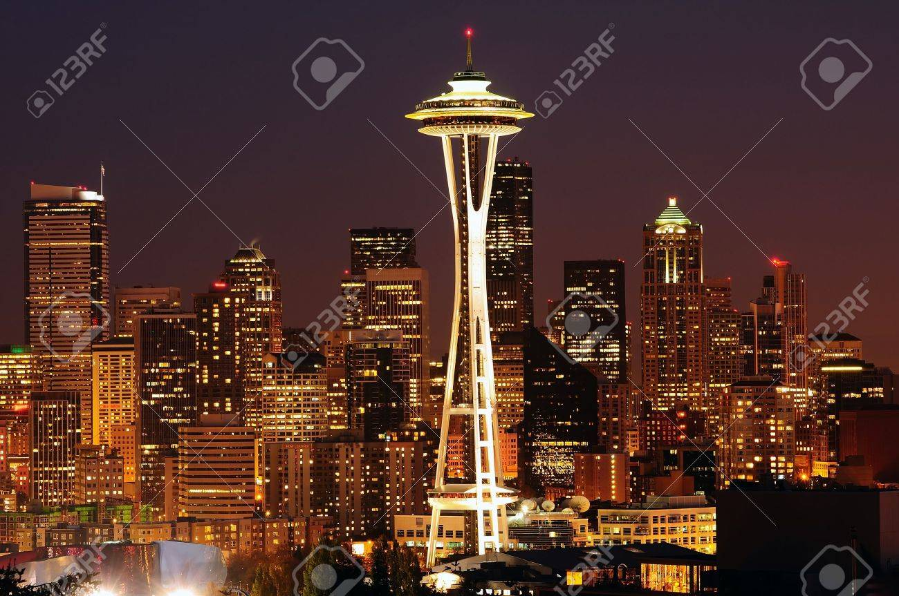 Dazzling image of the emerald city of Seattle skyline at dusk - 10582177