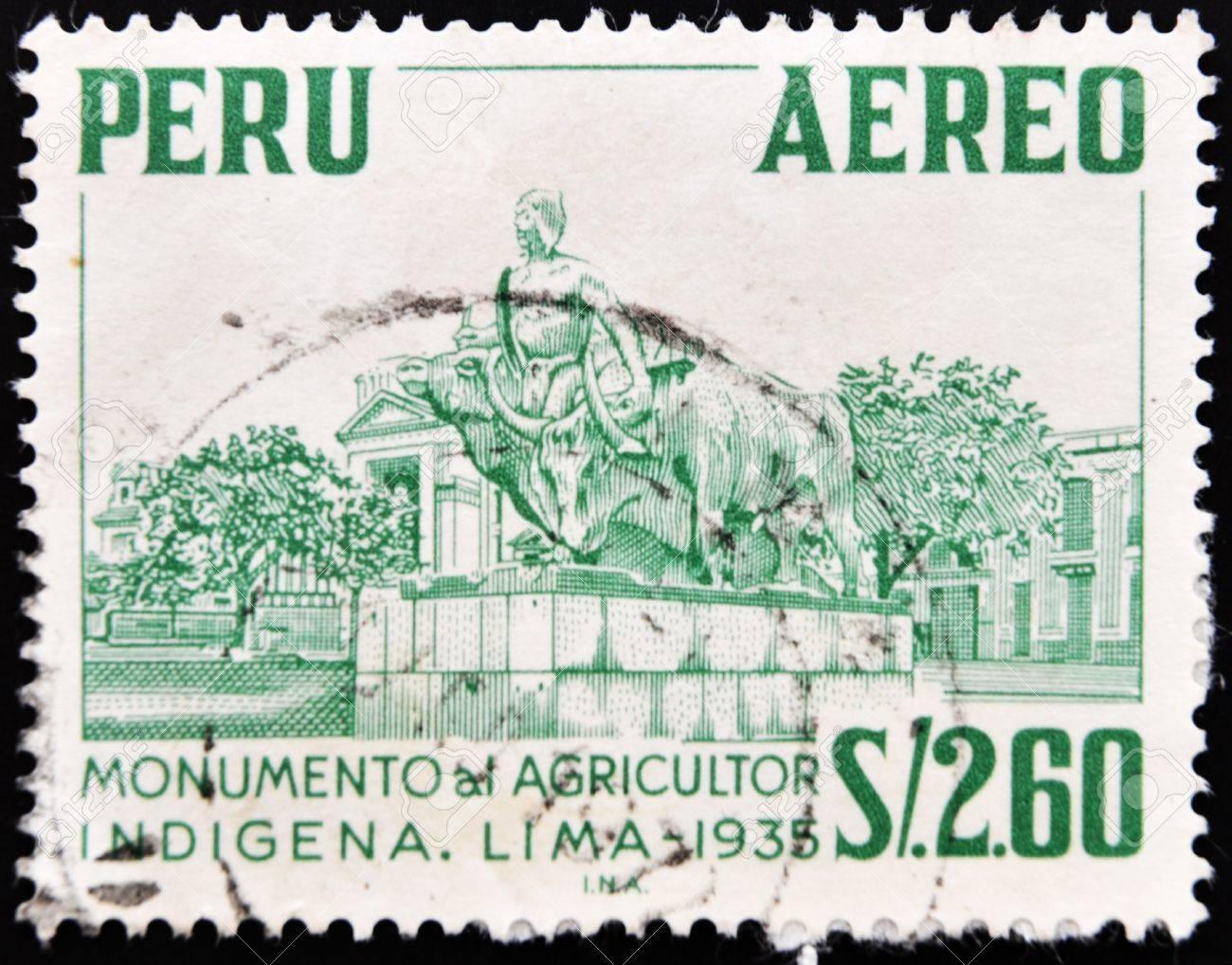 PERU - CIRCA 1935: A stamp printed in Peru shows monument to the indigenous farmer, circa 1935 Stock Photo - 10766487
