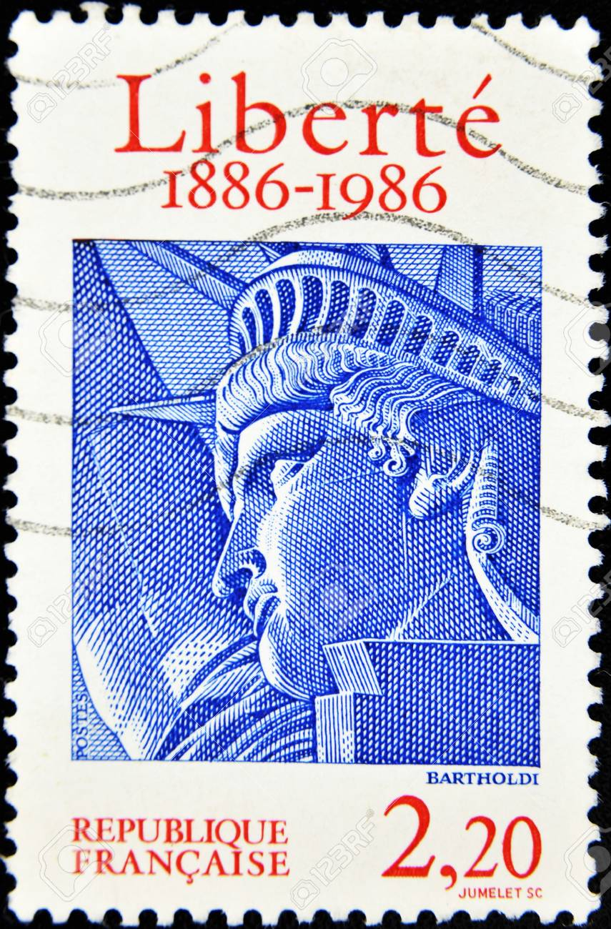 FRANCE - CIRCA 1986: A stamp printed in France shows drawing the face of the statue of liberty in the word freedom, circa 1986 Stock Photo - 10741594