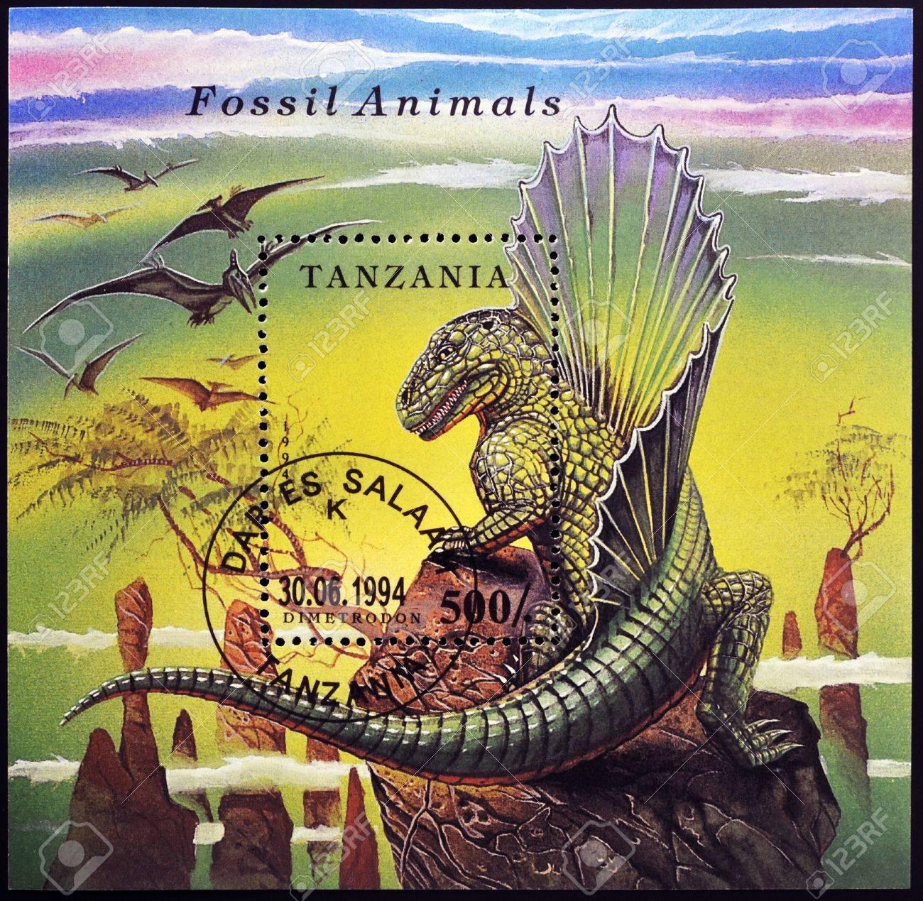 TANZANIA - CIRCA 1994: A stamp printed in Tanzania dedicated to fossil animals, shows a dimetrodon, circa 1994 Stock Photo - 17140538