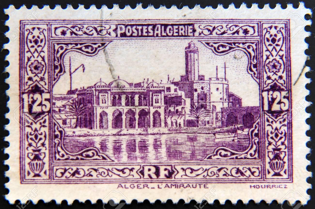 Timbre Carte Grise Algerie.Algerie Circa 1936 Un Timbre Imprime En Algerie Montre Batiment Amiraute Alger Vers 1936