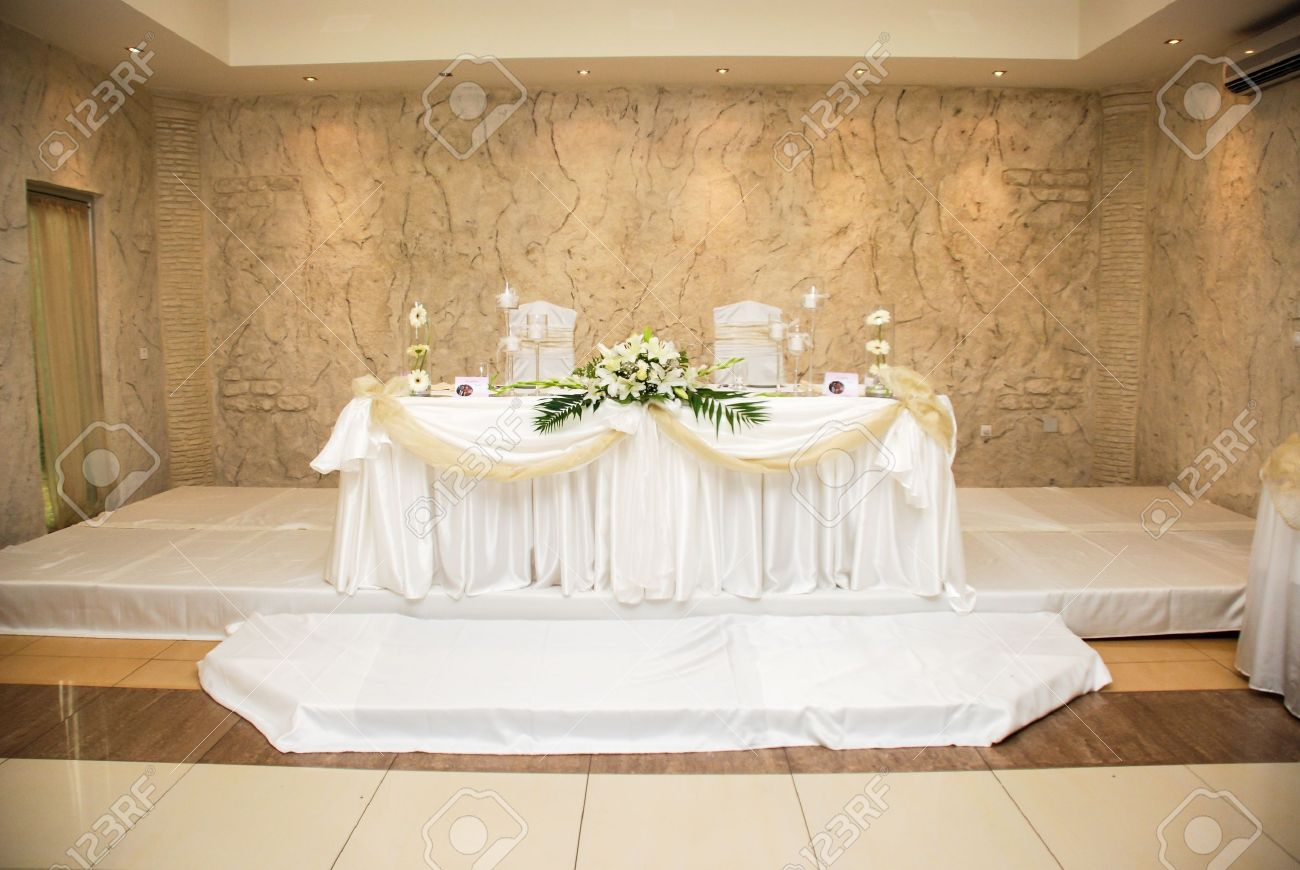 Main Table,bride And Groom Stock Photo   18710926