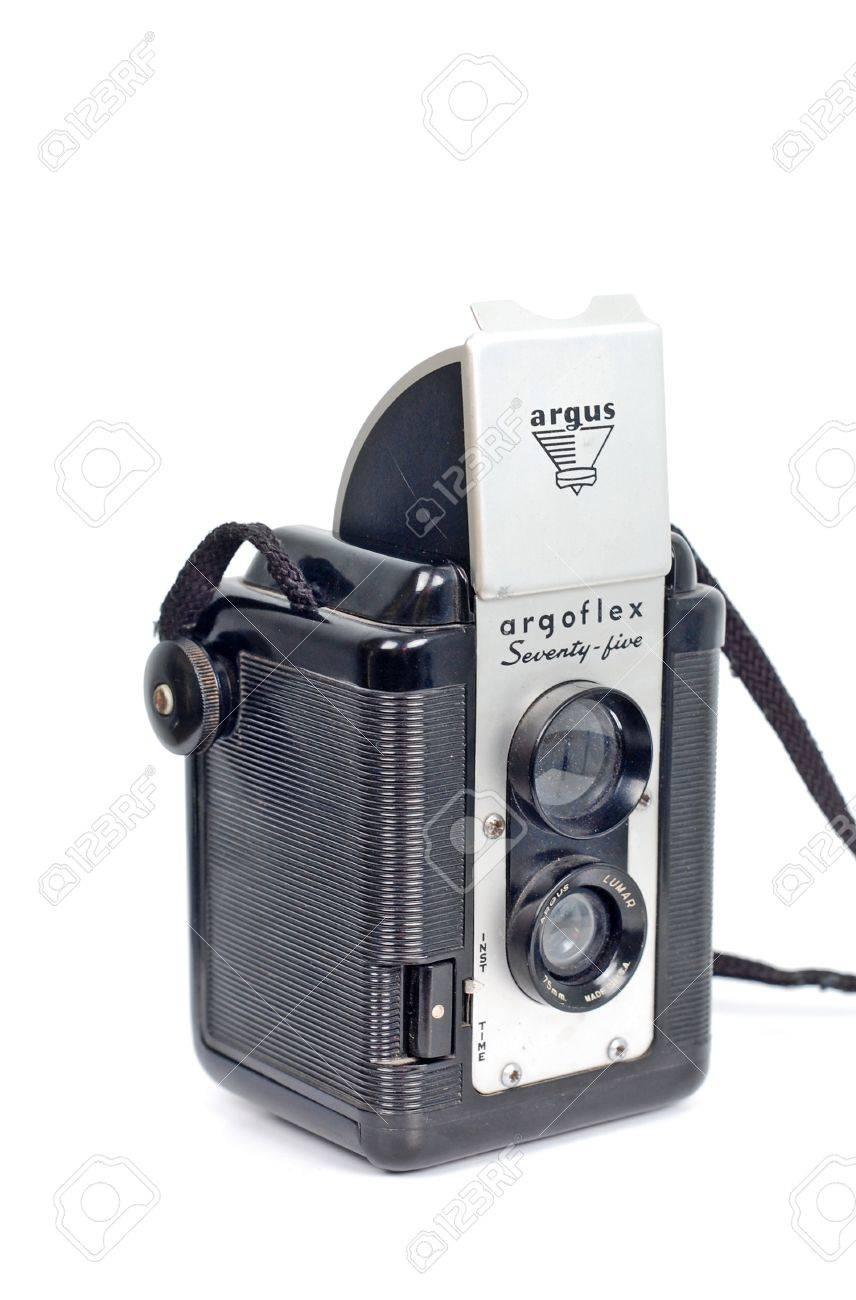 argoflex seventy five vintage box camera with a tlr viewfinder rh 123rf com Argus Software Argus Camera