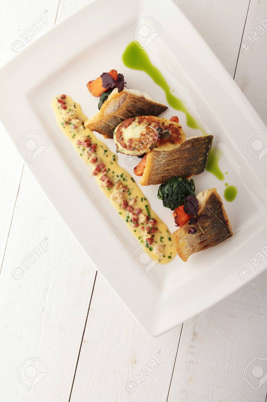 pan fried sea bass plated dinner meal Stock Photo - 48487392 & Pan Fried Sea Bass Plated Dinner Meal Stock Photo Picture And ...
