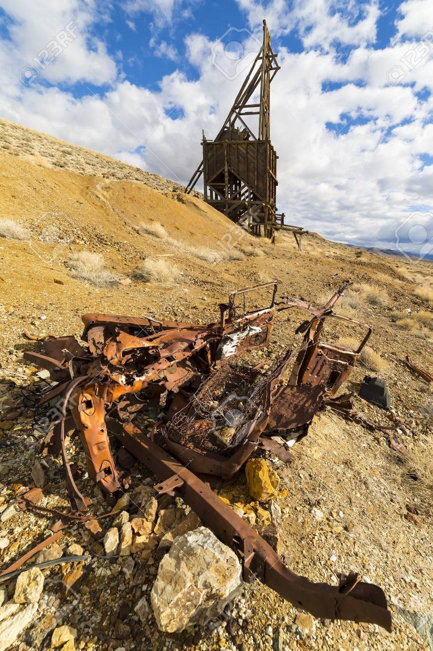 Fantasma Marco De Cabeza De La Minería De La Ciudad En El Desierto ...