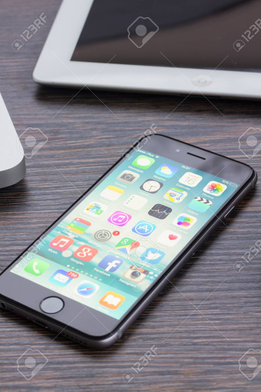 Warszawa Poland December 16 2014 New Apple Iphone 6 In Gray