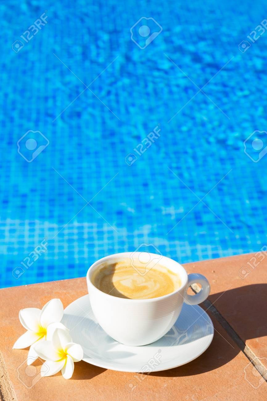 Resultado de imagen de piscina de cafe