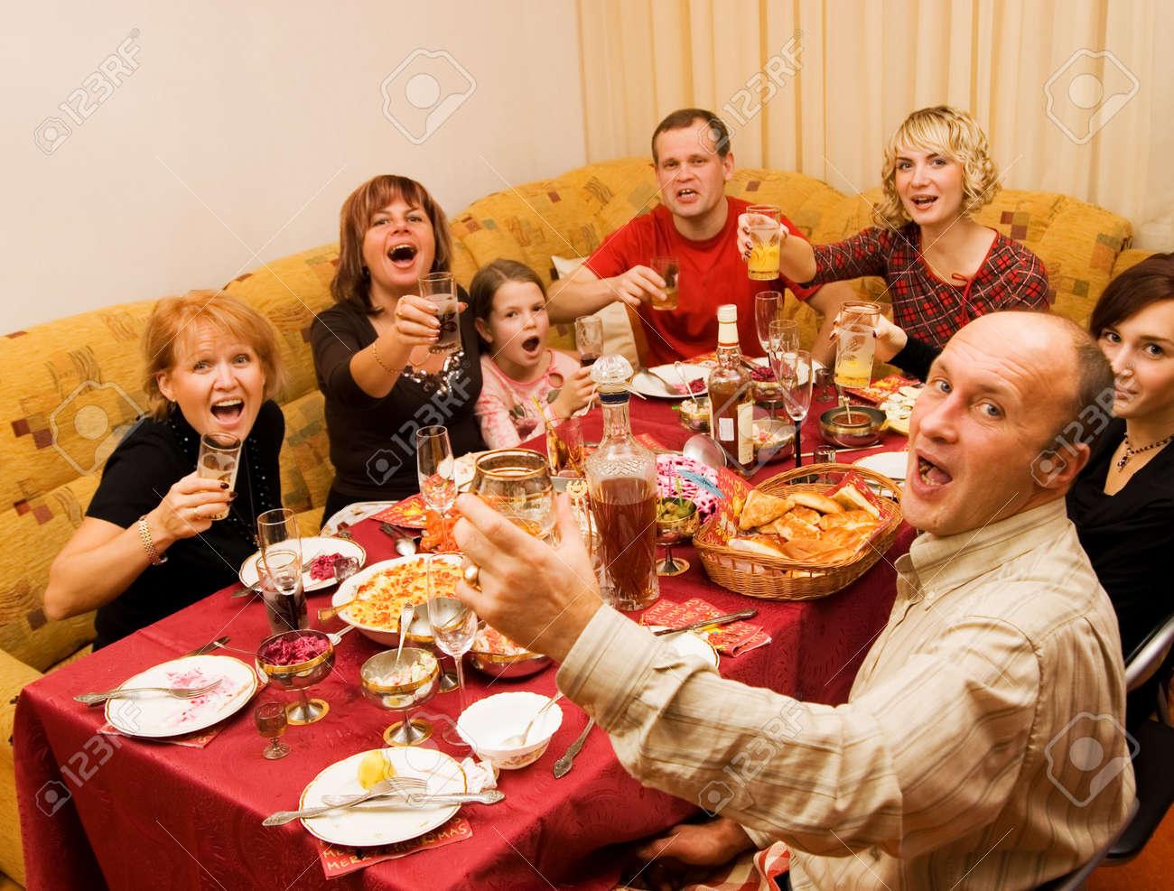 Какой по счет тост пьют за родителей