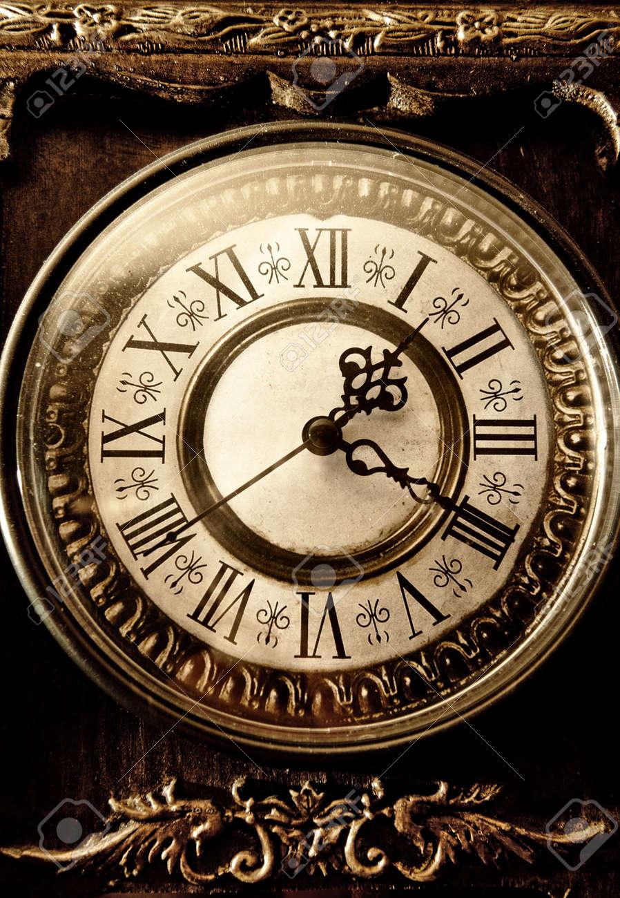 Antique Clock Stock Photos &- Antique Clock Stock Images - Alamy