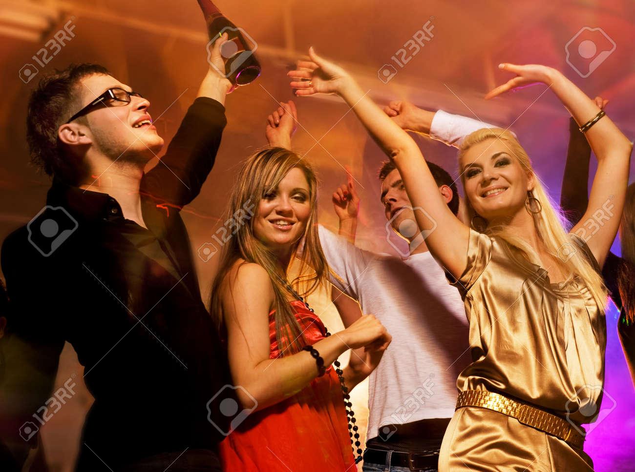 Член в ночном клубе 14 фотография