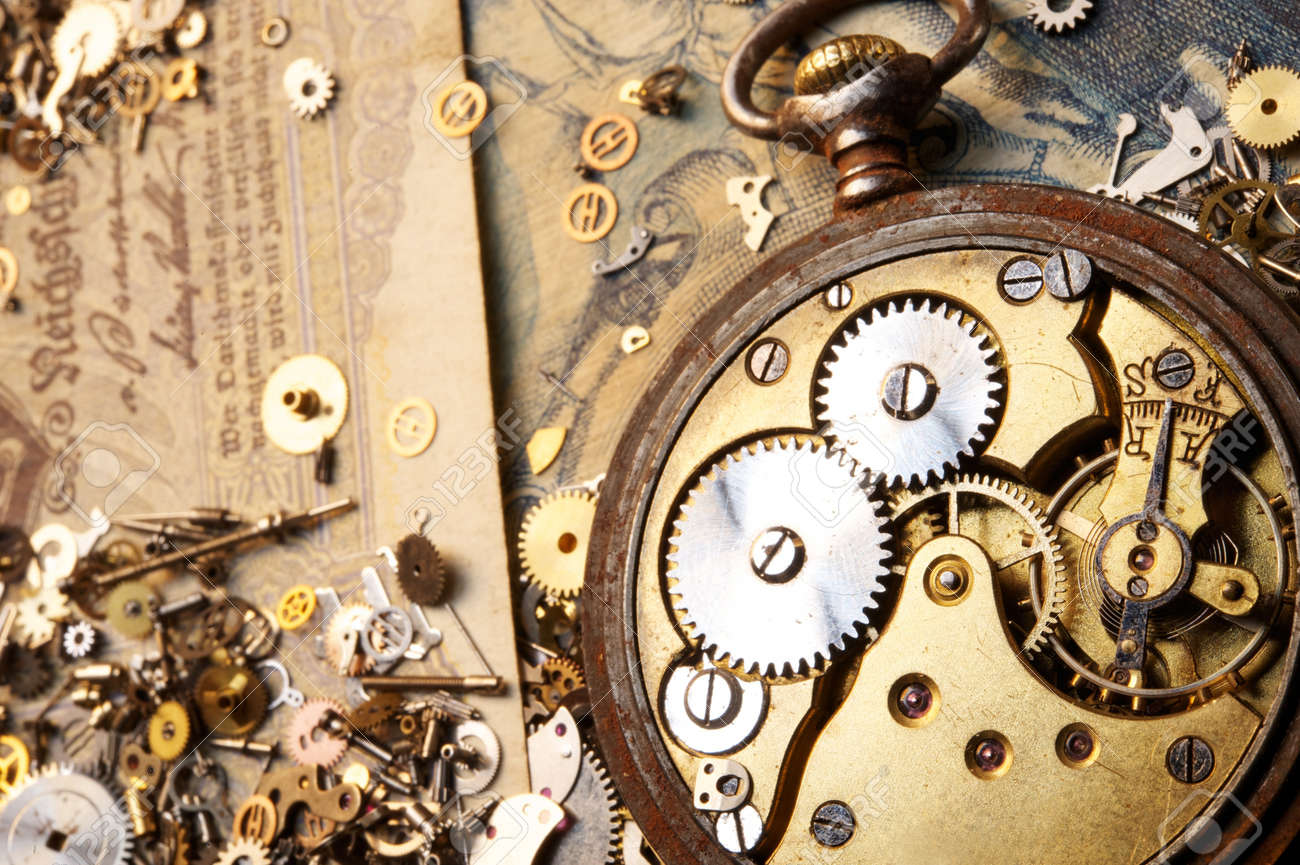 The gears on the old banknote Stock Photo - 9119076