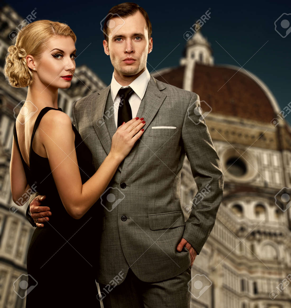 Retro couple against Duomo cathedral, Florence Stock Photo - 12609143