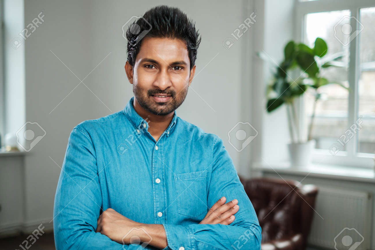 Indian man at a casting - 121899496