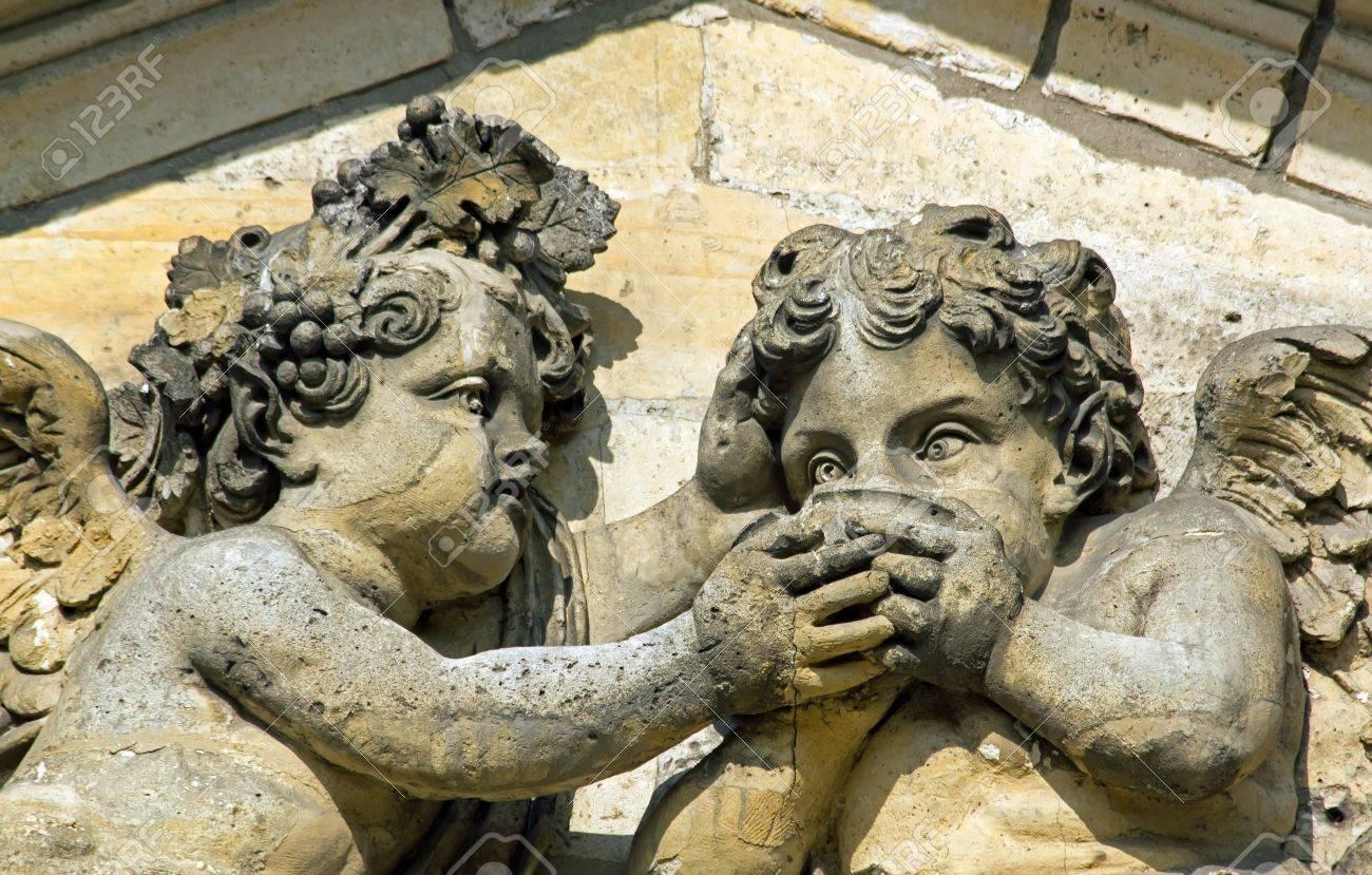 Ange soif, un petit geste vers l'autre Banque d'images - 21764281