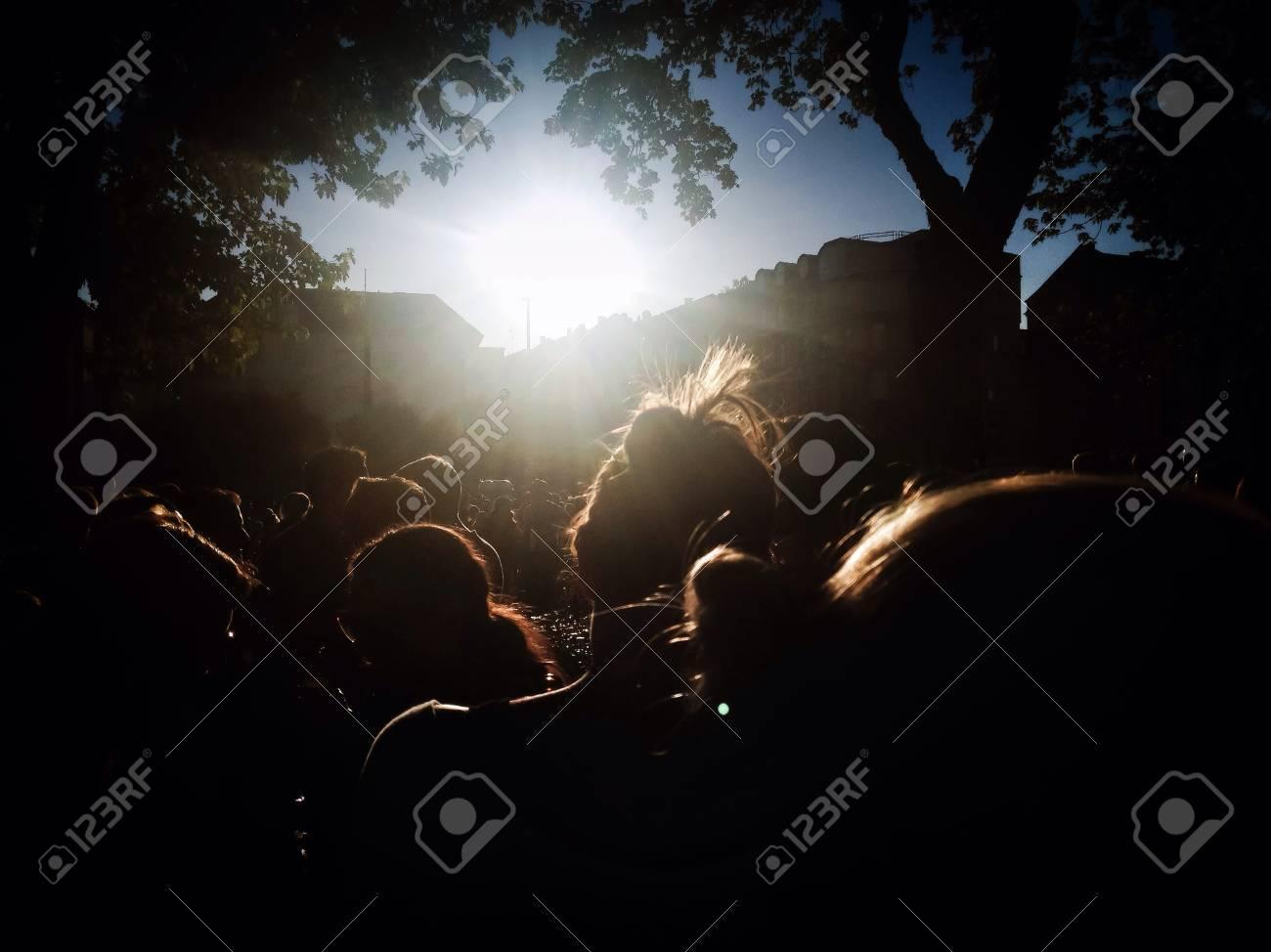 Crowd - 28613910