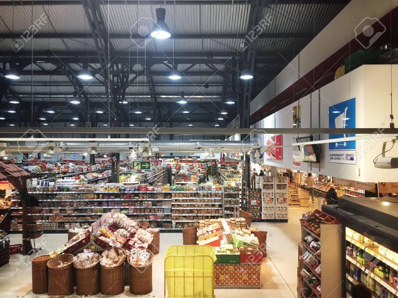 REWE supermarket in Frankfurt - 32161008