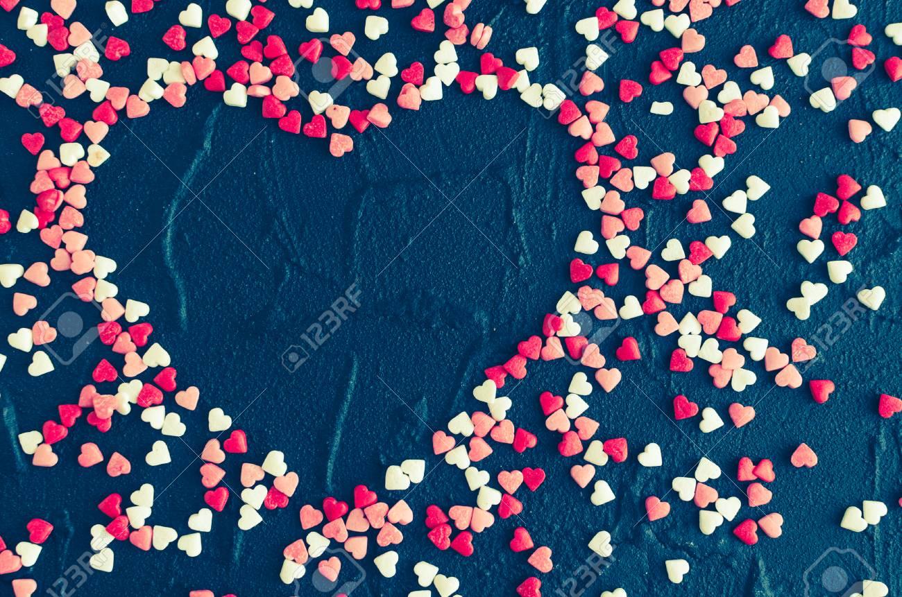 Herzförmige Rahmen Aus Vielen Kleinen Verschiedenen Farben Kleine ...