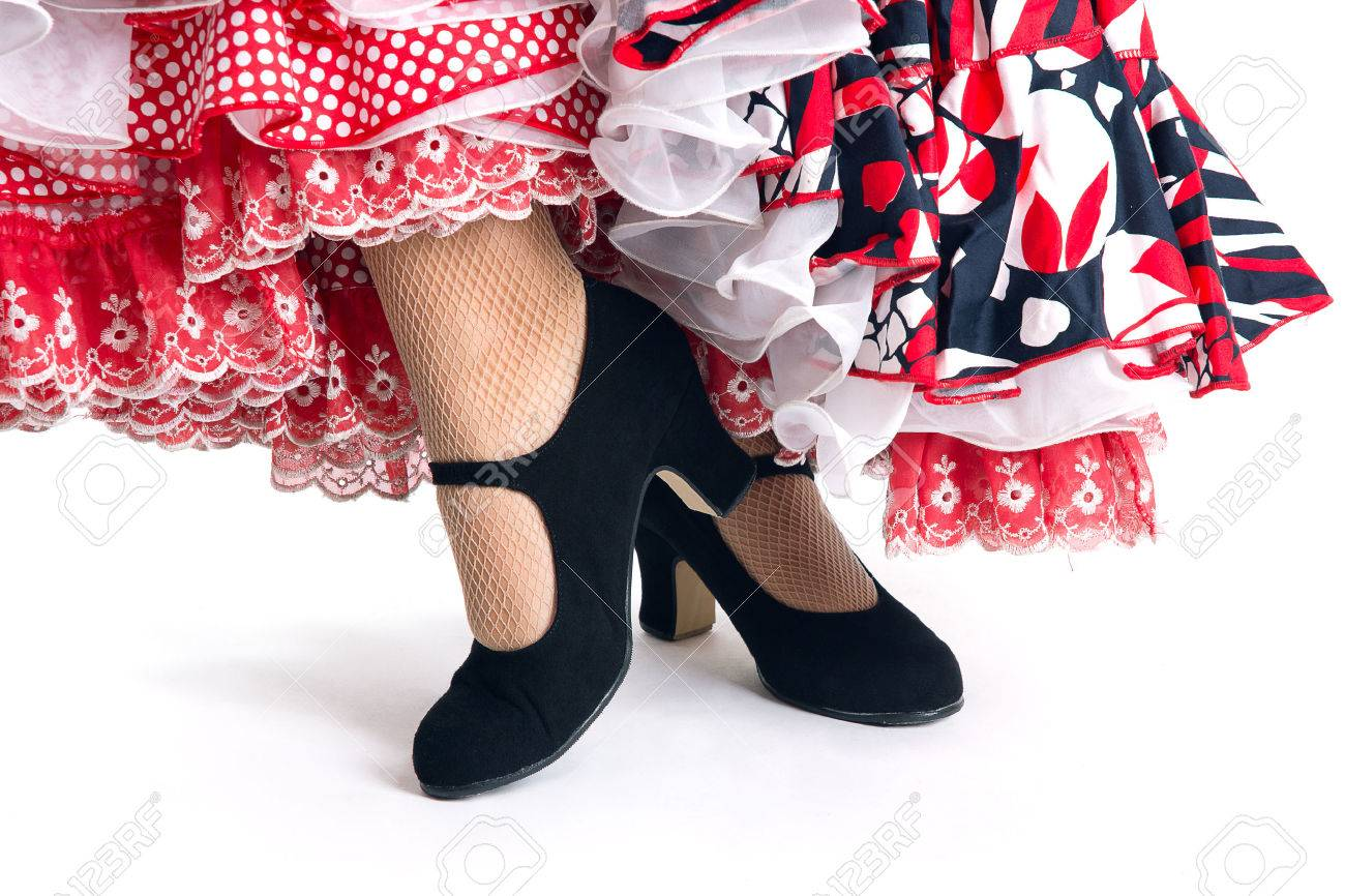Feet detail of Flamenco dancer in beautiful dress on white background - 26398325