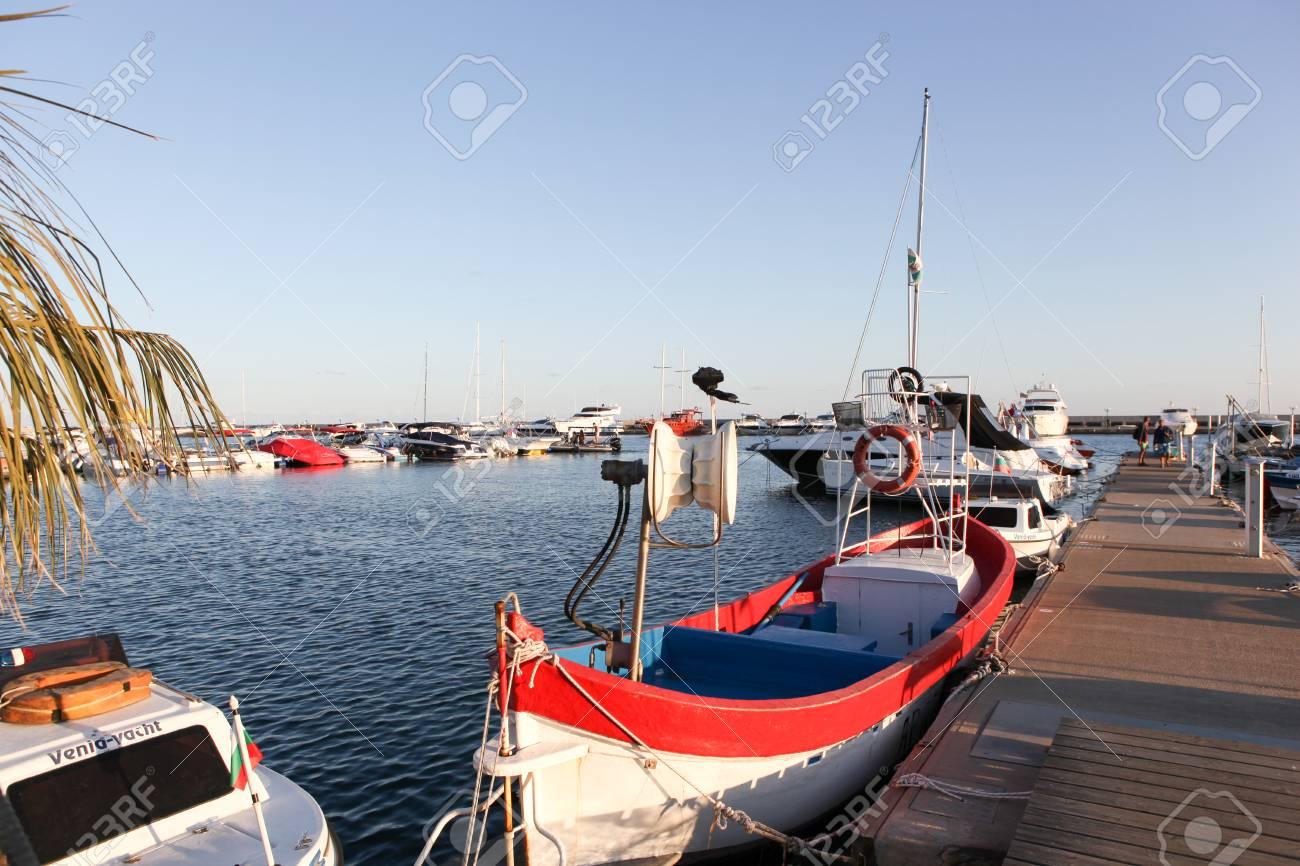 ヴァルナ - 8 月 29 日: Yachtpo...