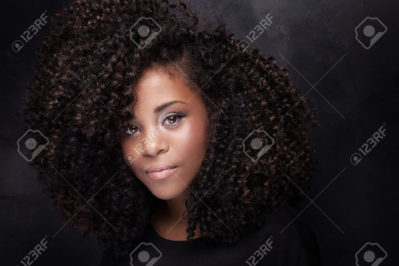 Articles sur les Afro-américains noir ébène ménage à trois