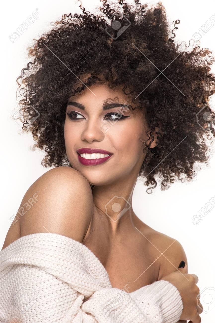 Belle Sensuelle Femme Afro Americaine Avec Coiffure Afro Et Le