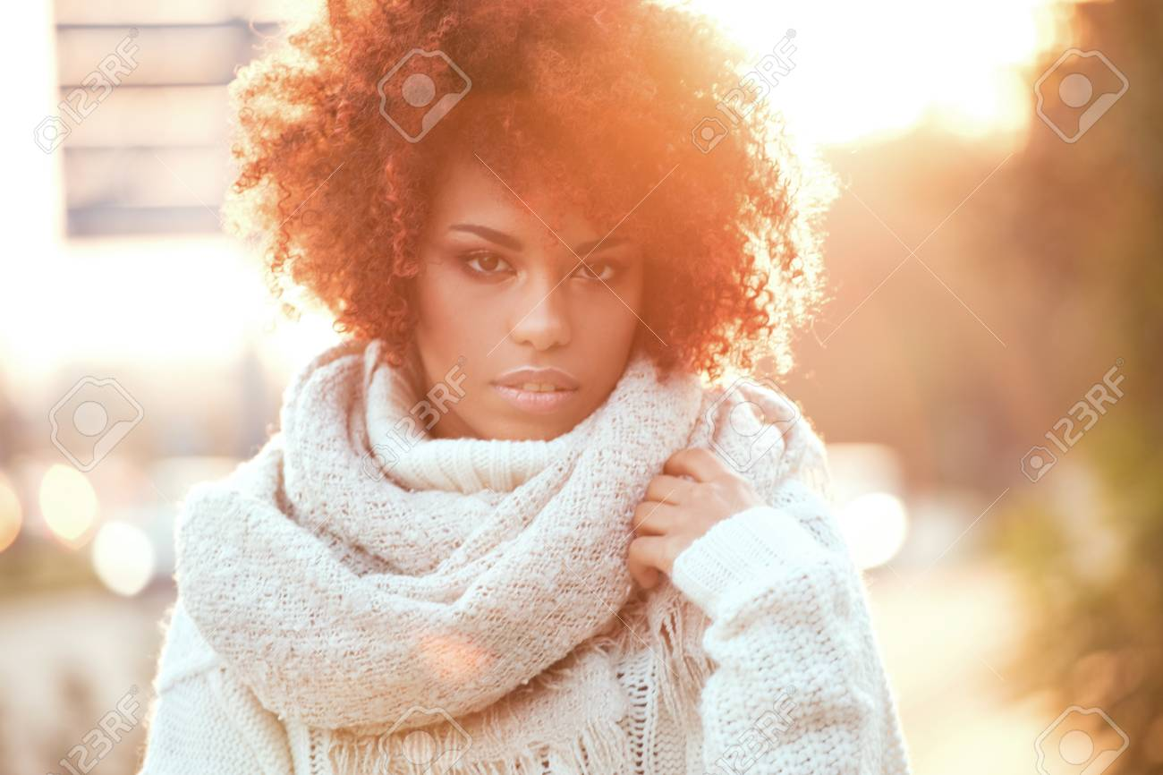Autumn outdoor portrait of beautiful african american girl with afro hairstyle. - 87420090