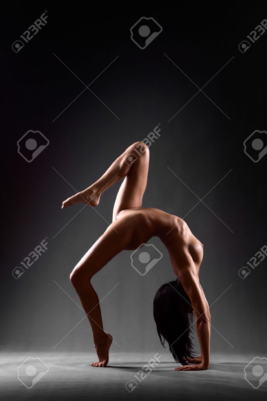 Gymnast nude pose hentia image