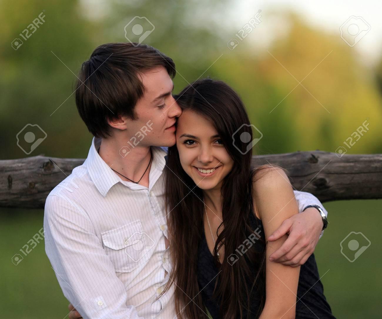 Dating ein Mädchen weniger attraktiv als Sie