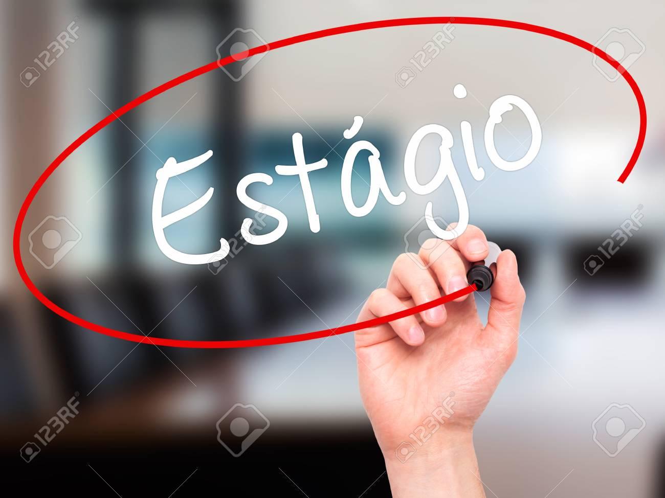 Man main écrit est ???? ? gio stage en portugais avec un marqueur