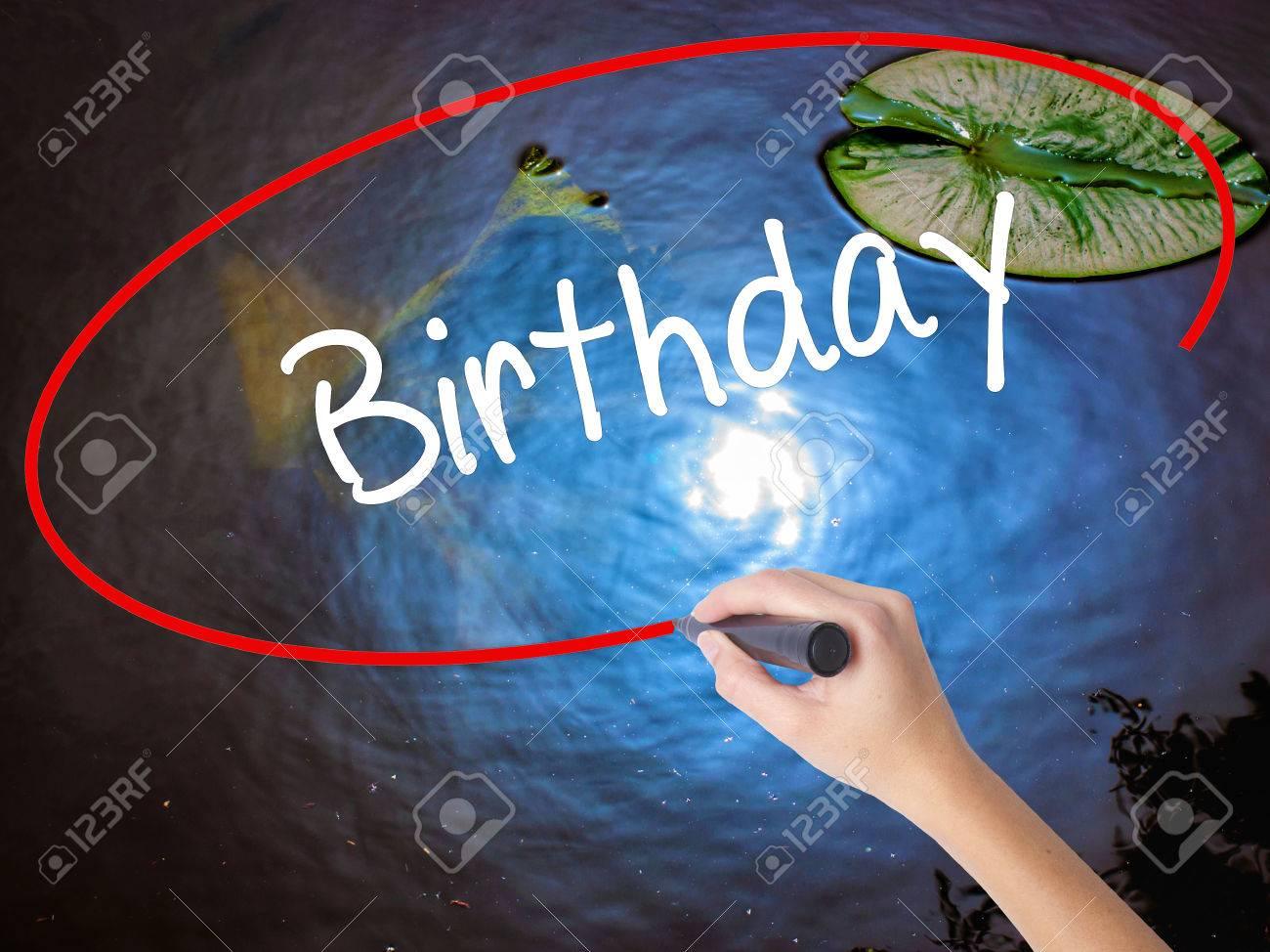 Frauen Handschrift Geburtstag Mit Markierung Uber Transparentem