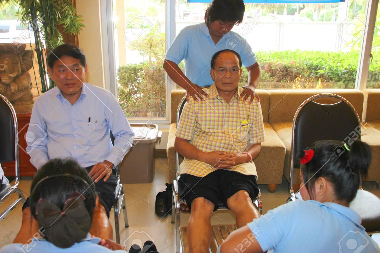 MUANG, MAHASARAKHAM - JULY 13 : Unidentified people are in reflexology spa foot massage on July 13, 2012 at Taksila Hotel, Muang, Mahasarakham, Thailand. Stock Photo - 14418867