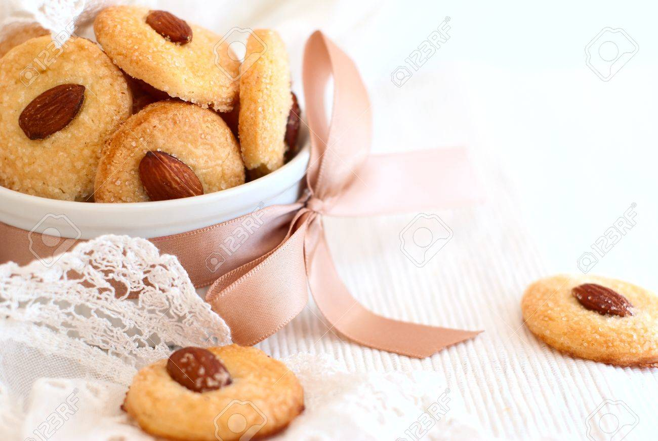 almond cookie - 20654520
