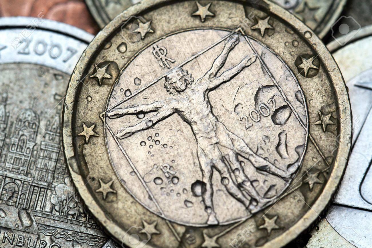 italy euro coin - 21809550