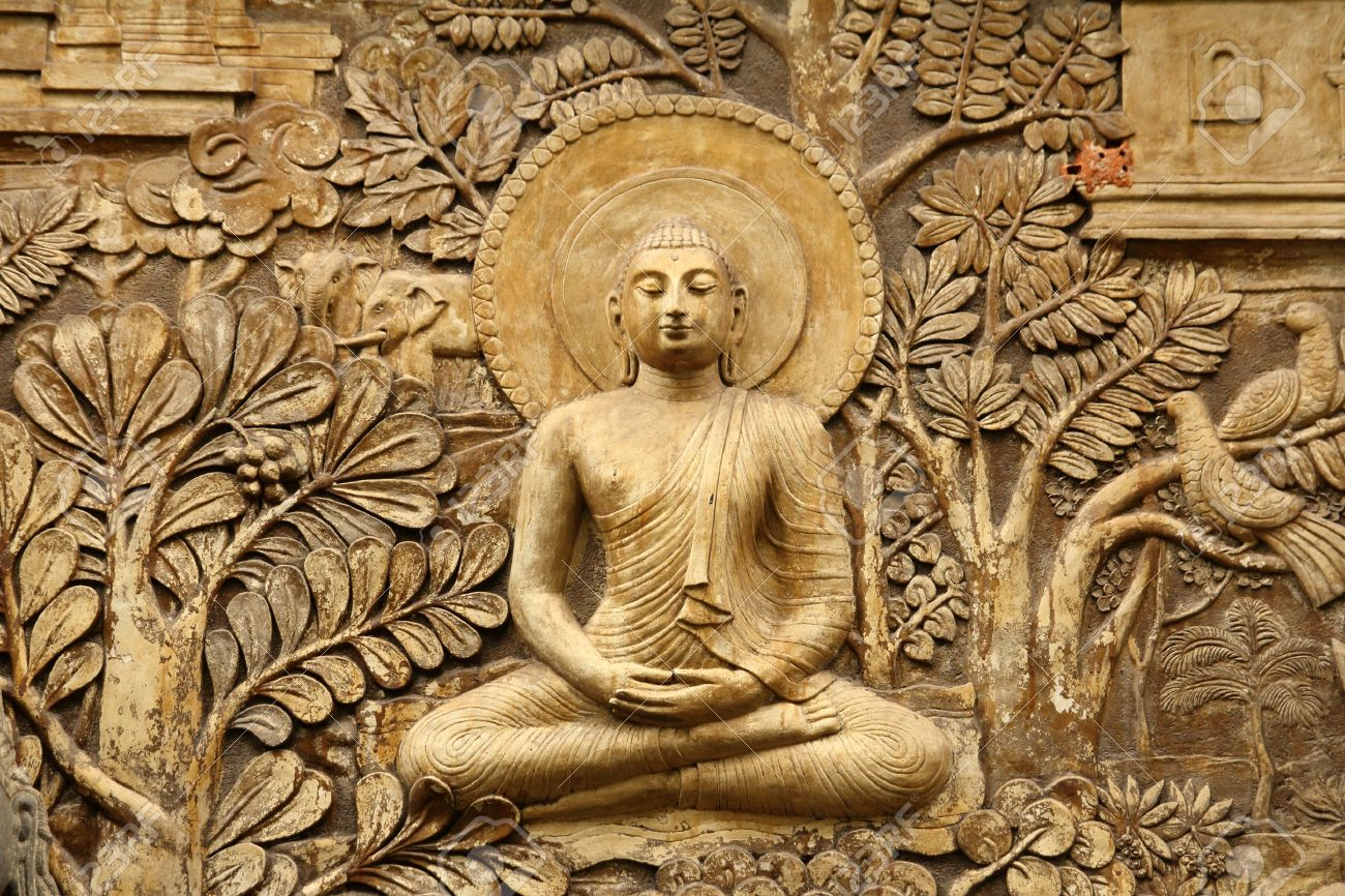photo buddha wooden carving