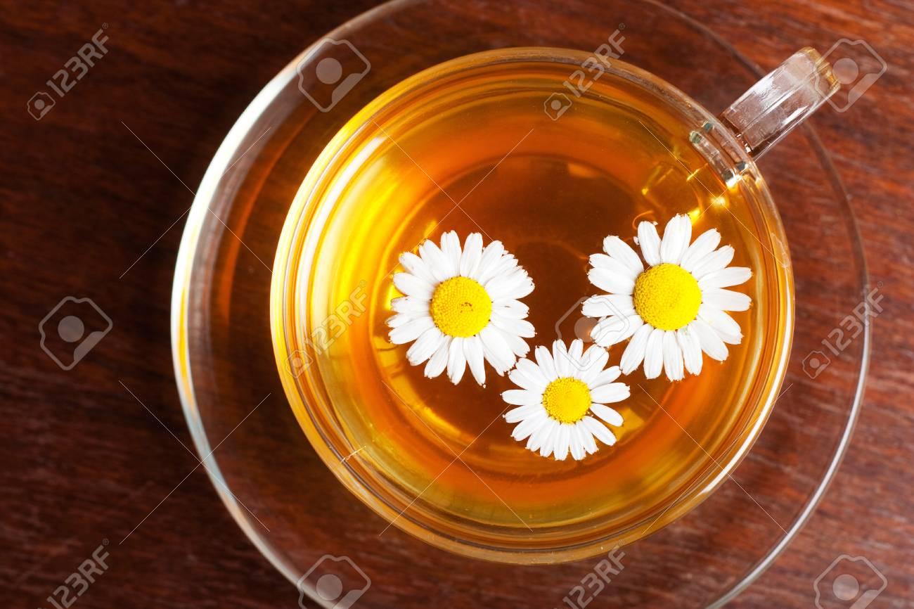 taza de aromático té de manzanilla Foto de archivo - 12772479