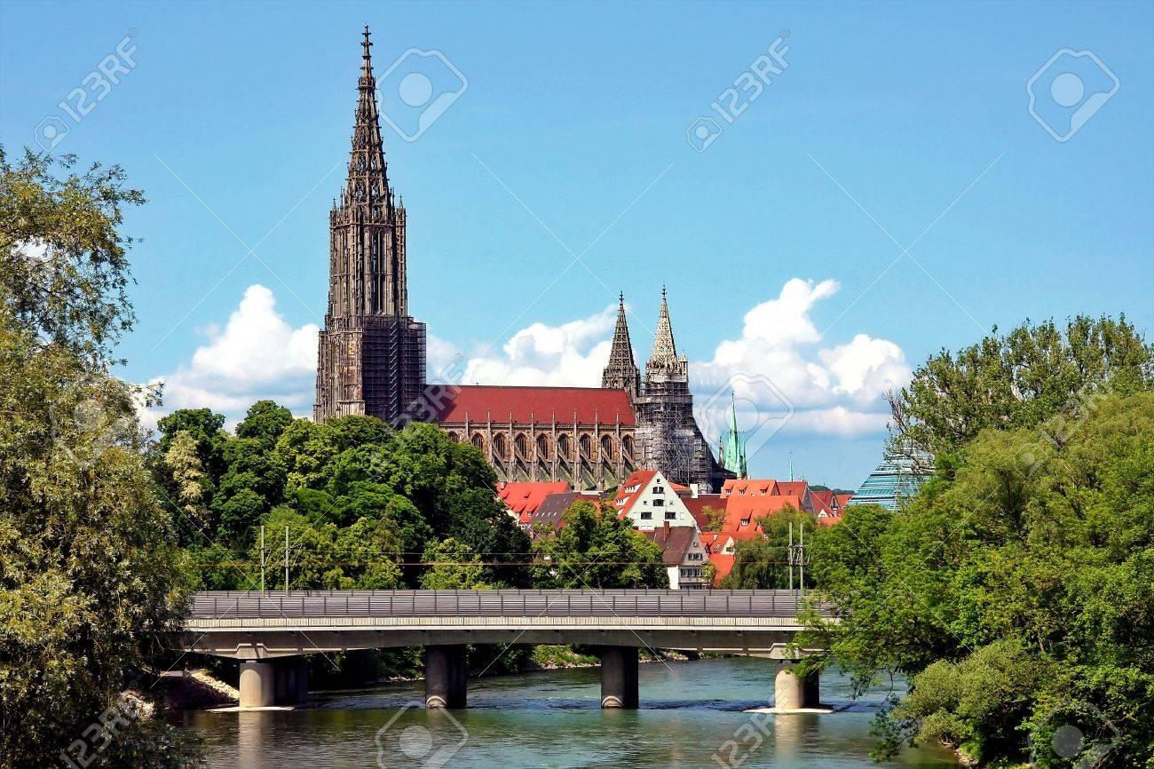 Ulm Der Höchste Kirchturm Der Welt Lizenzfreie Fotos Bilder Und