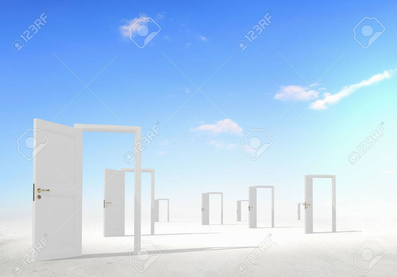 Many home white door open in cloudy sky Banque d'images - 53910578