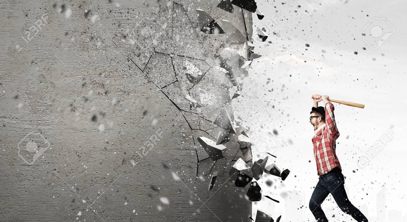 「壁を壊す」の画像検索結果