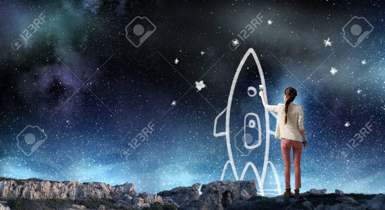 2b0ec01cba2a Ella está soñando para explorar el espacio. Técnica mixta Foto de archivo -  74252795