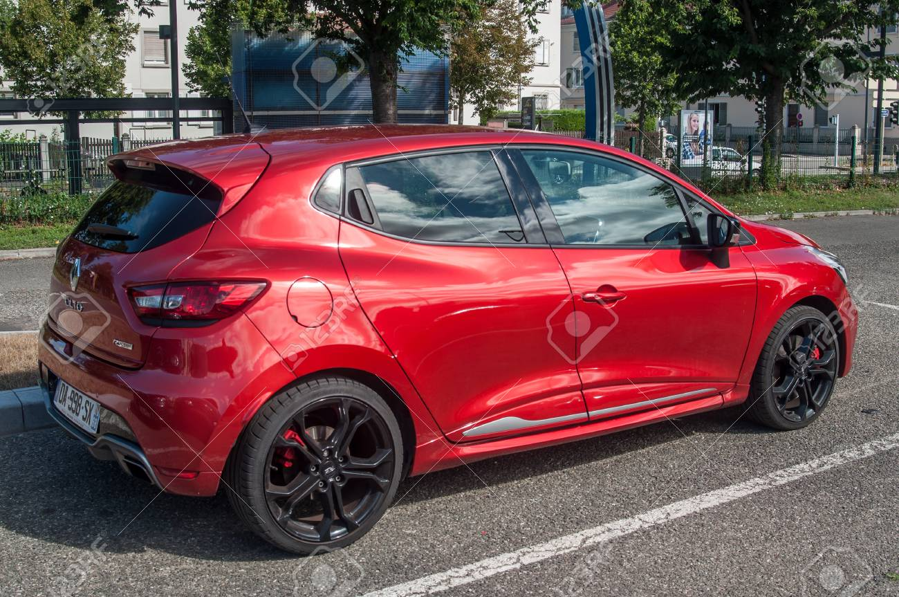 Mulhouse France 2 July 2017 Red Renault Clio Rs Sport Parked Stock Photo Picture And Royalty Free Image Image 81751464