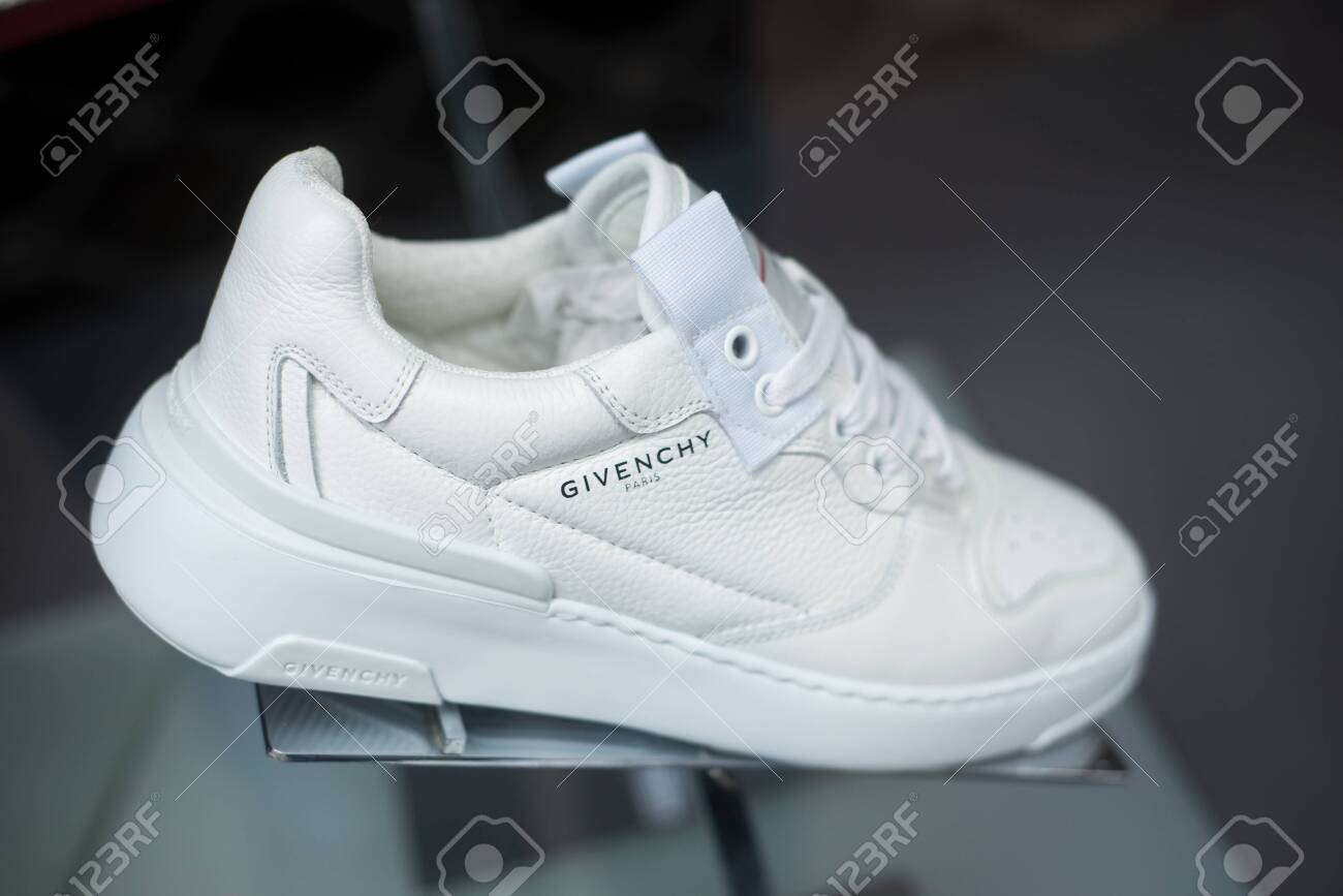 givenchy sneakers 2019