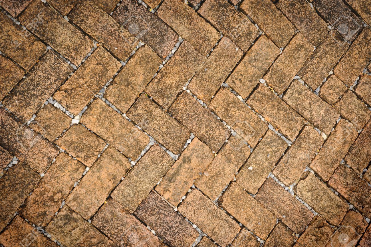 Piastrelle a mattoncini. camera luminosa con pavimento di piastrelle